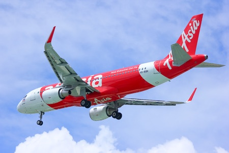 Aviation Minister buys food in AirAsia flight after airline did not change pre-booked meal