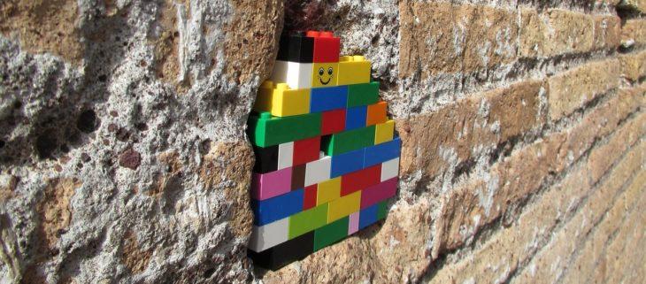 Boucher les trous avec des LEGO (image : pixabay.com)